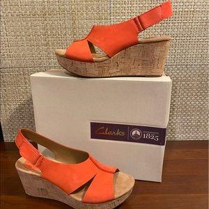 🌟HP🌟Clarks Artisan Wedge Sandals Caslynn Red 9M